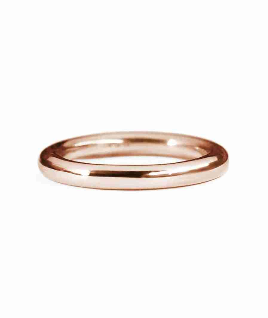 Rose gold classic round wedding band