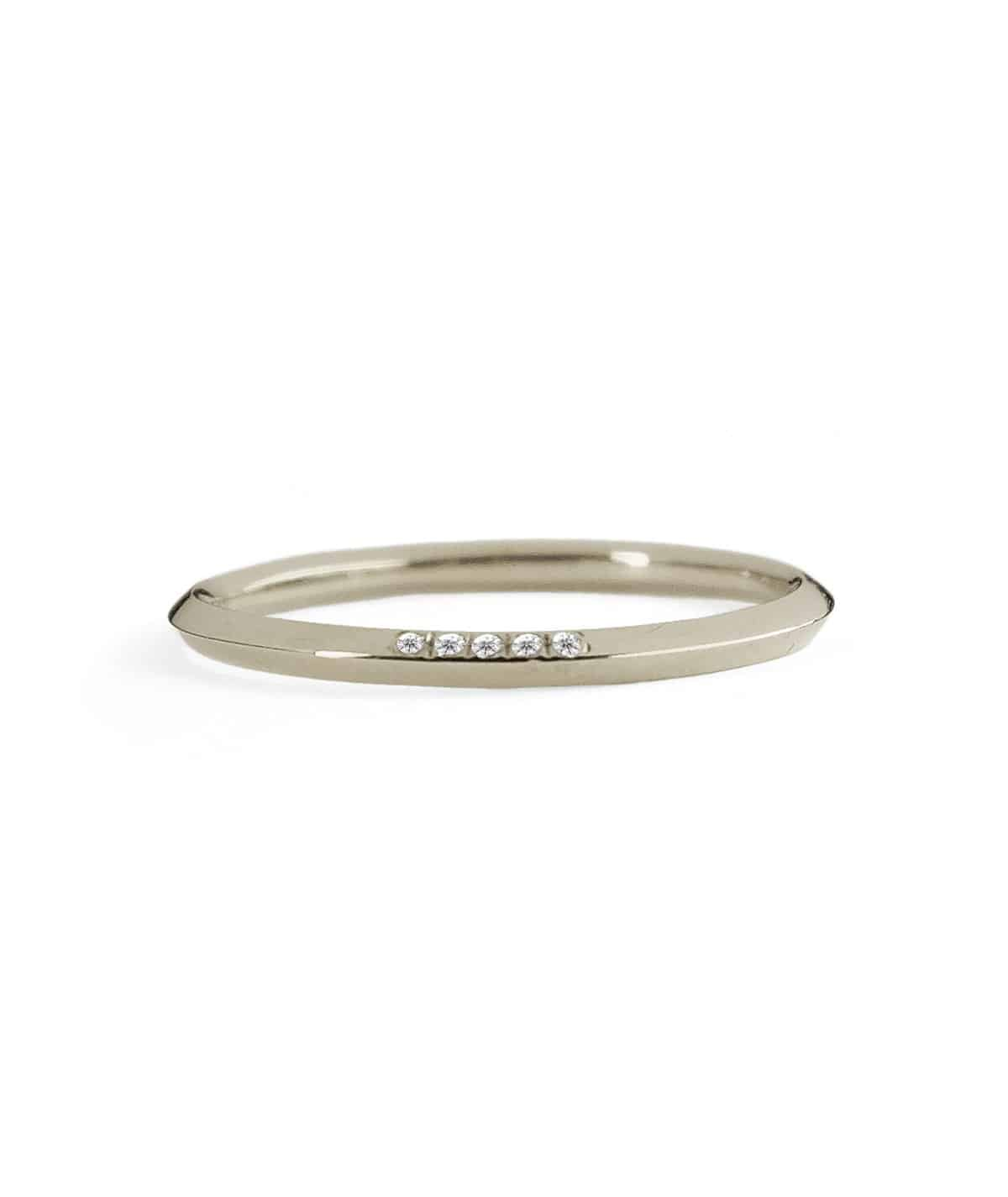 white gold 5 pointes wedding band