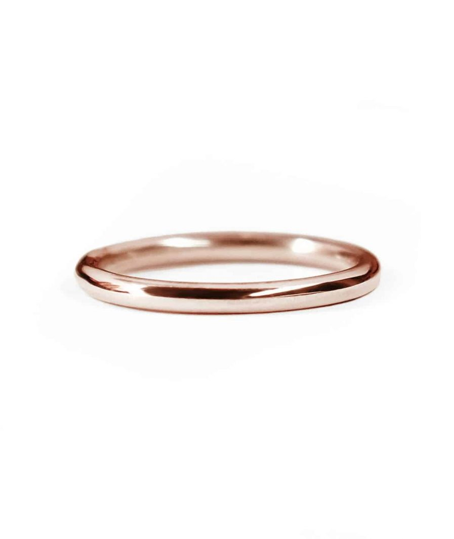 rose gold classic round wedding band