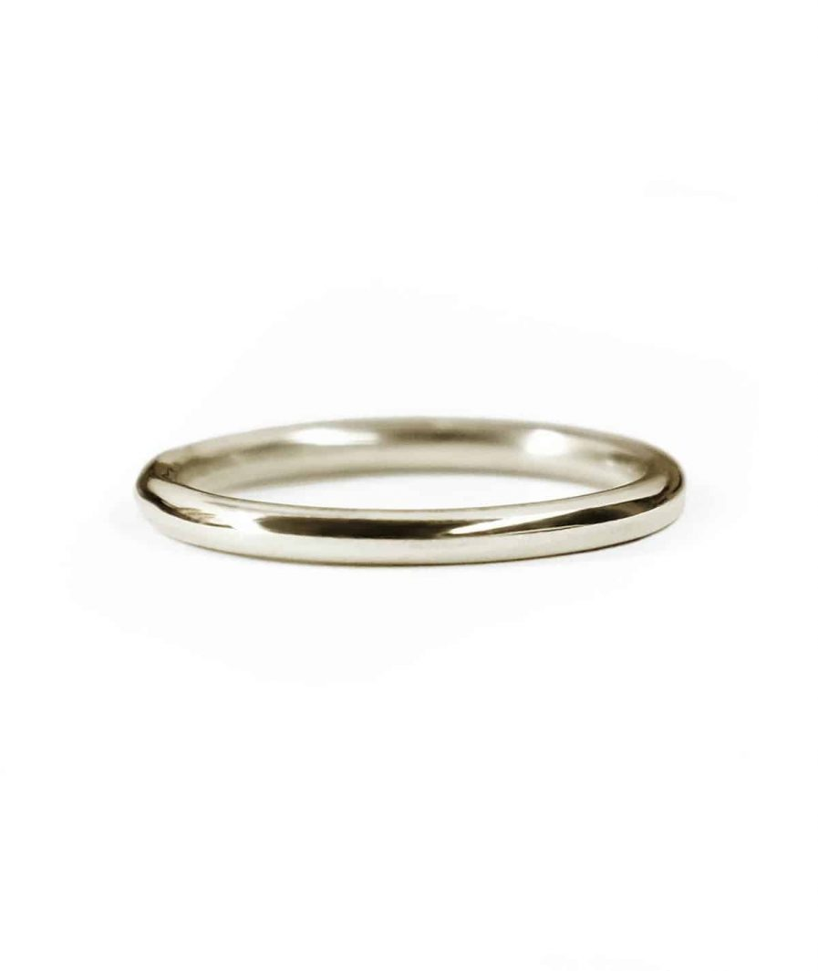 white gold classic round wedding band
