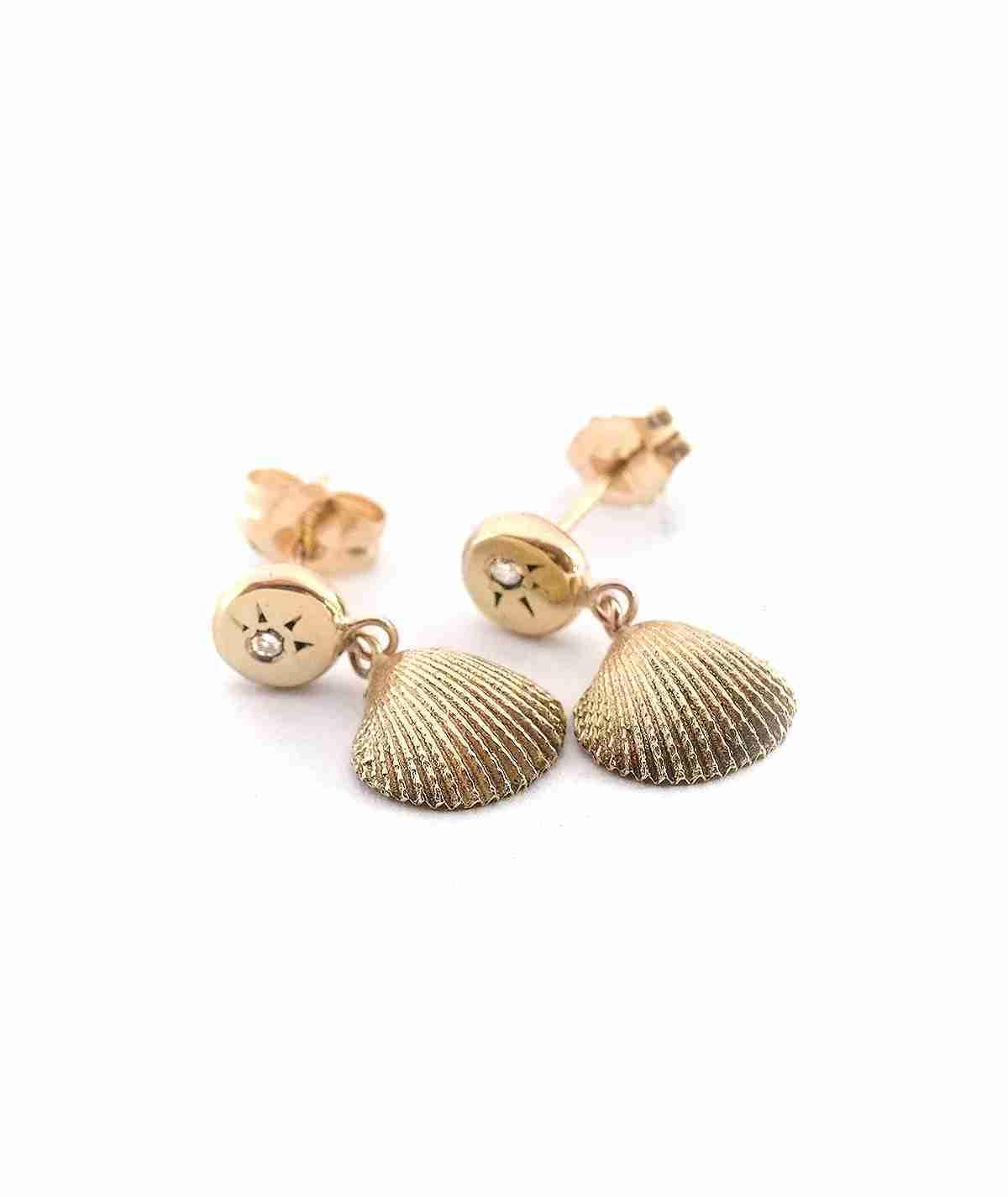 gold seashell stud earrings