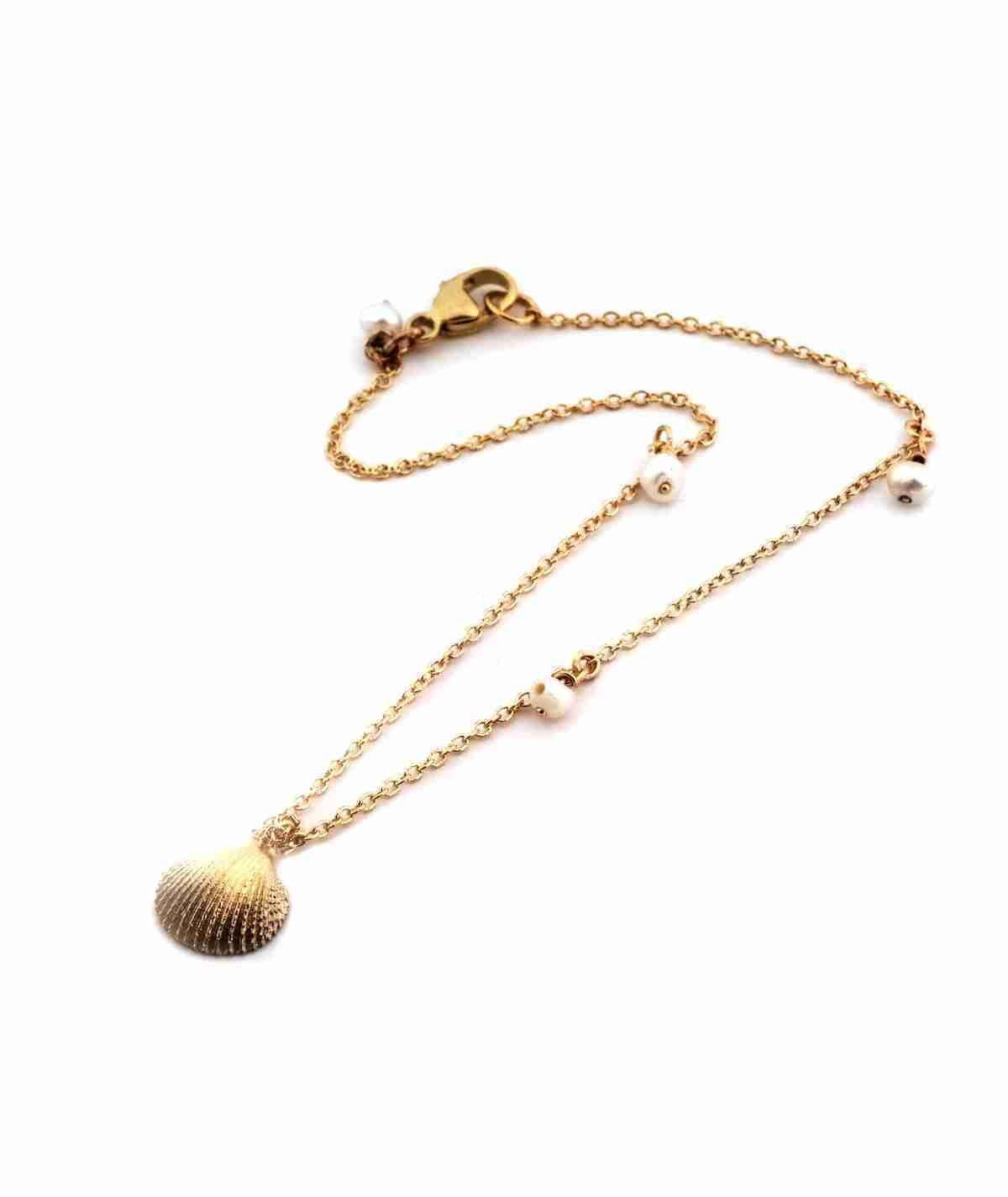 seashell gold chain bracelet
