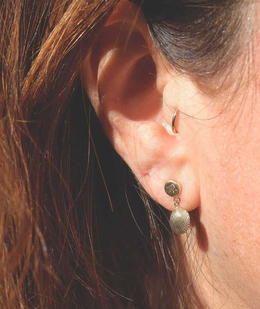 gold seashell diamond stud earrings